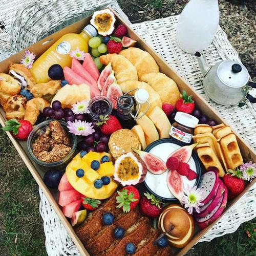 Cesta de café da manhã é uma opção de prêmio para o chá rifa