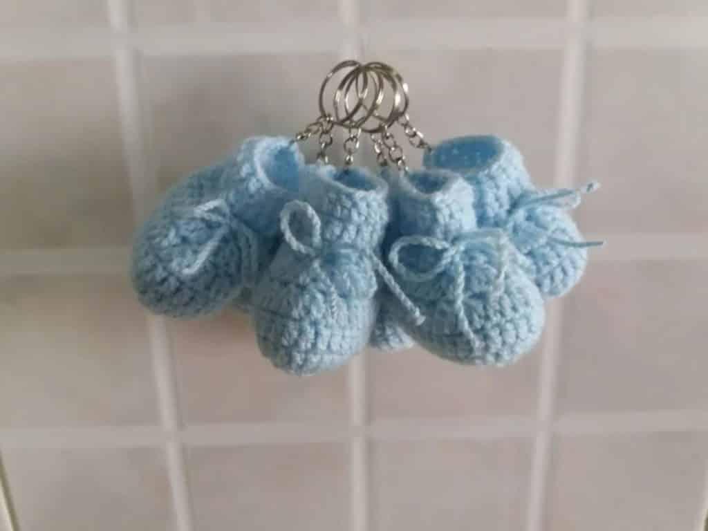 Lembrancinha de chá de bebê. Chaveiro de sapatinho