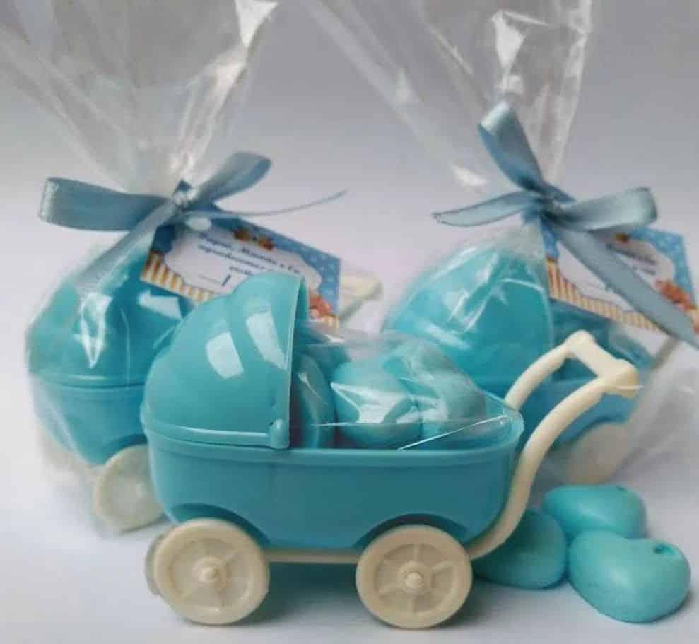 Lembrancinha de chá de bebê, carrinho de bebê.