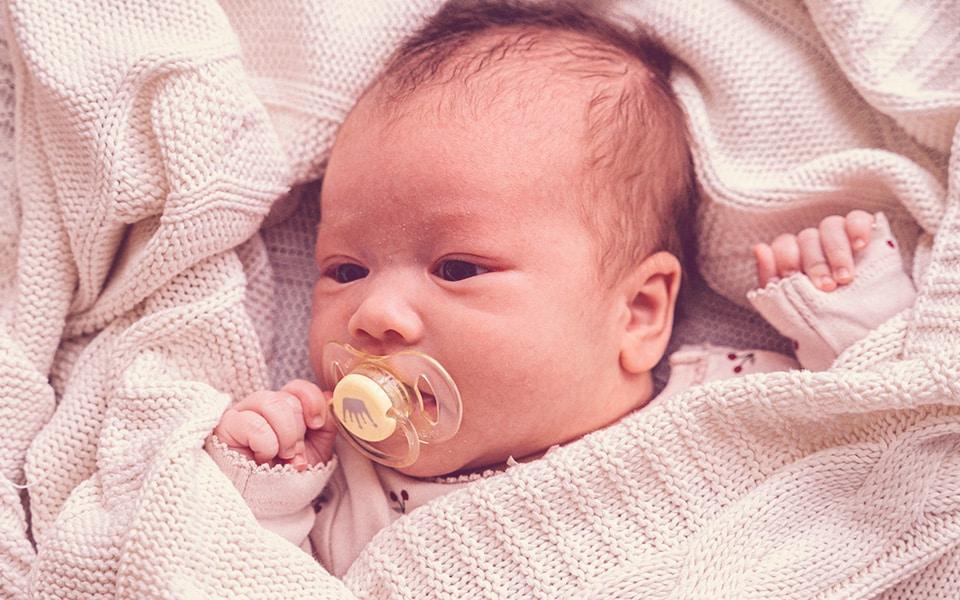 5 fatos curiosos sobre recem nascidos estrabico